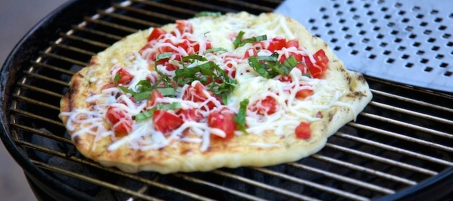 America's favorite food has long been the pizza cooked in a traditional oven but is that about to change? While most Americans have probably never indulged in a grilled pizza, the origins of pizza are making a big comeback. There is no denying that we love our traditional backyard barbeque but rarely, if ever has the barbeque included grilling a pizza.