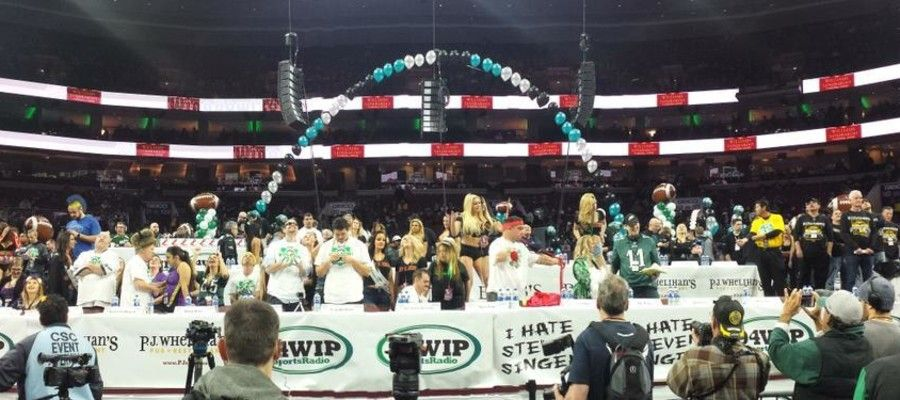 P.J. Whelihan's Deliver 10,000 wings For WIP Wing Bowl