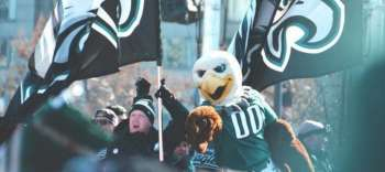 Philadelphia Eagles Take On The Cleveland Browns
